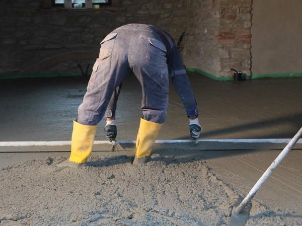 Comment couler la dalle de béton sur terre-plein?