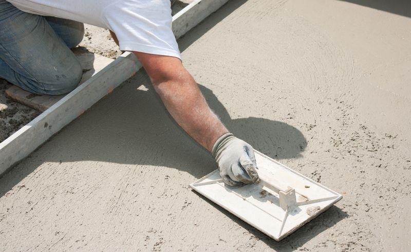 Comment couler une dalle de béton sur terre plein?