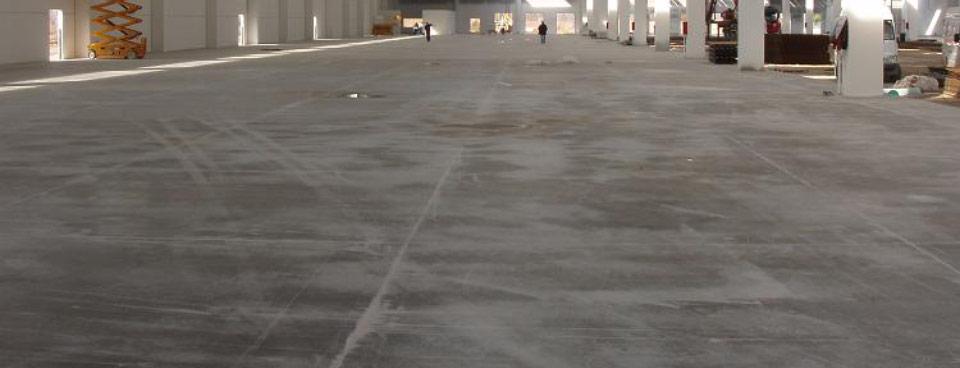 dalle beton industriel pour hangar agricole en finition quartz