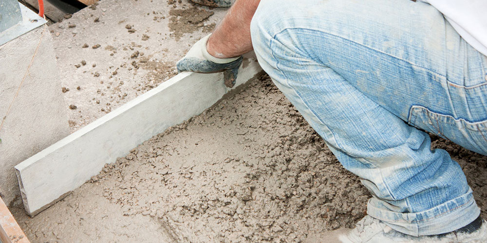Comment couler une dalle de béton à l'intérieur?