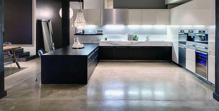 Revêtement de sol en beton lisse pour la cuisine