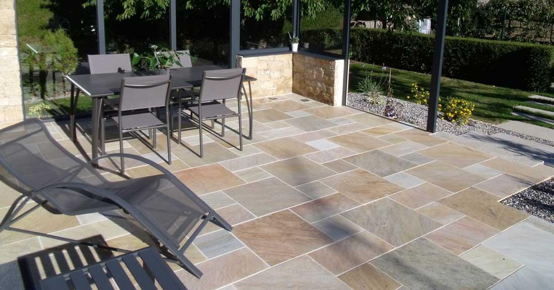 Revêtement de sol pour la terrasse d'extérieur: Prix, Pose.