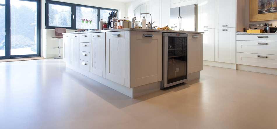 Revêtement de sol en resine epoxy pour la cuisine