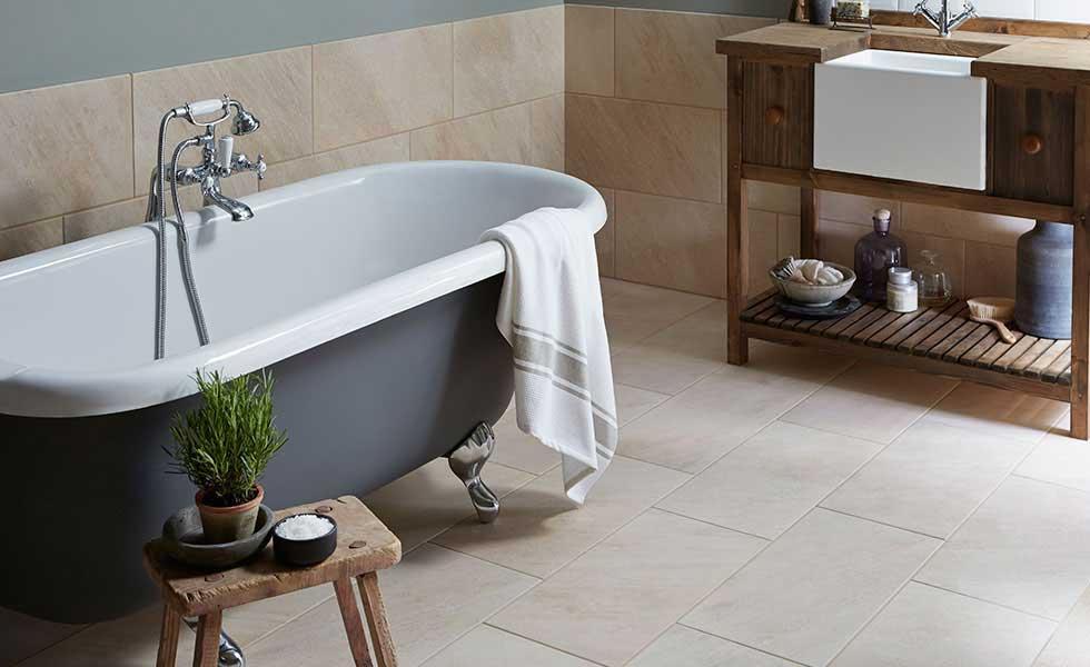 Revêtement de sol pour la salle de bain: Prix, Pose, Types