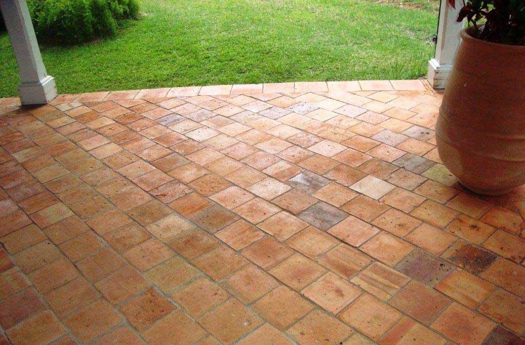 revêtement de sol en terre cuite en exterieur