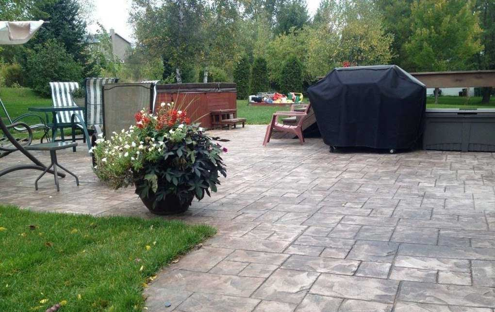 terrasse de jardin en Béton imprimé